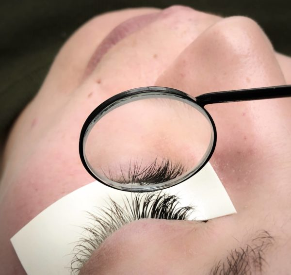 tools for eyelashes